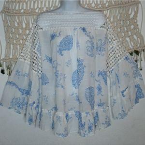 Zac & Rachel white blue floral lace bellsleeve top